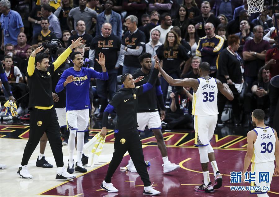 (体育)(16)篮球——NBA总决赛第三场:勇士胜骑士