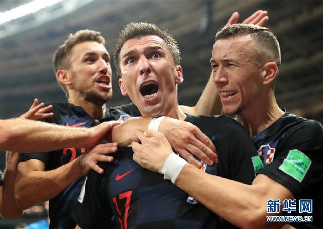 """(新华全媒头条·图文互动)(2)中国足球要有""""坐冷板凳""""的定力——世界杯启示录"""