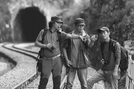 他后端收费们在为滇越铁路留下影像