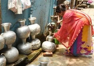 (国际)(2)达卡市民遭遇缺水难题