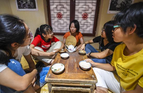 河北景县:准大学生感受民俗文化