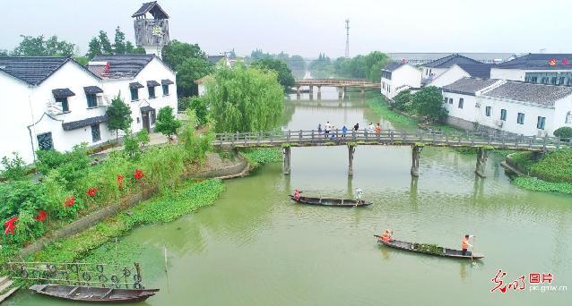 """浙江湖州:""""河长制""""守护美丽河湖"""